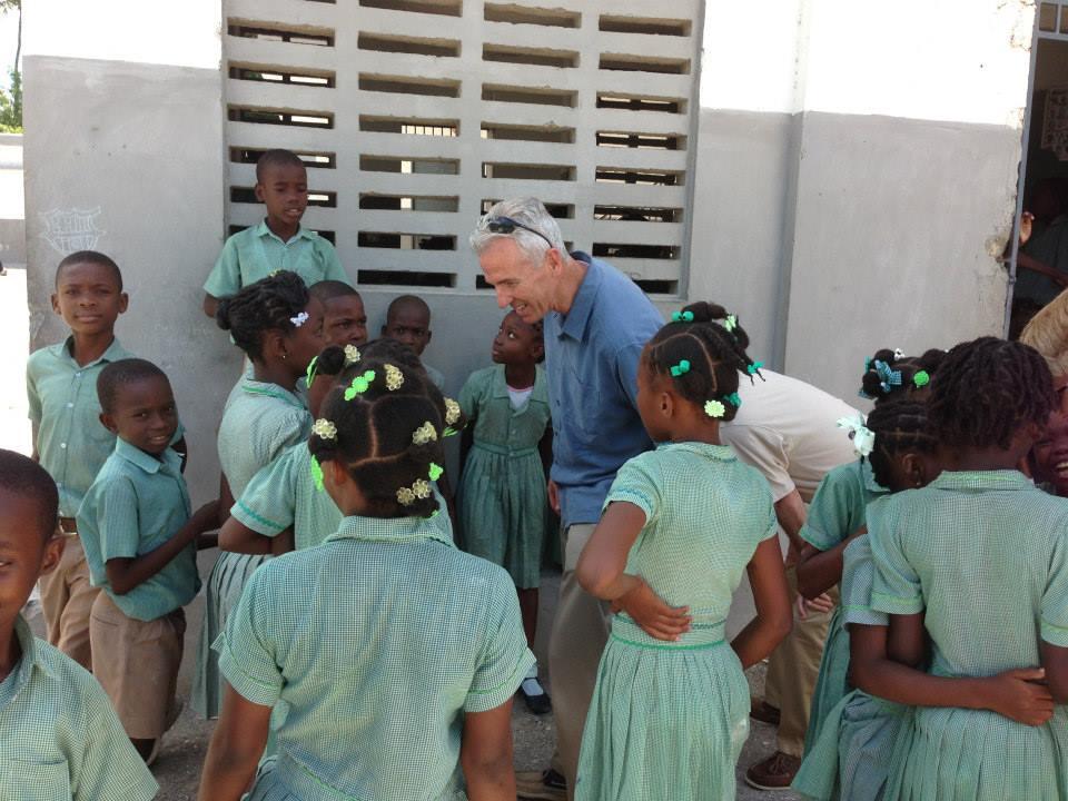 haiti-students-with-leo-ryan_522